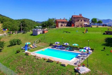 AGRITURISMO WITH POOL FOR SALE IN UMBRIA, GUBBIO