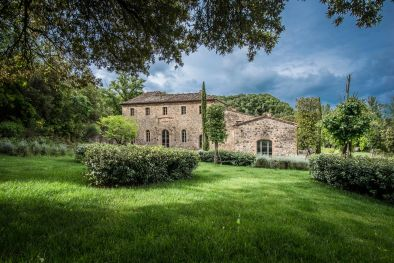 LUXURY FARMHOUSE FOR SALE IN MONTALCINO, TUSCANY
