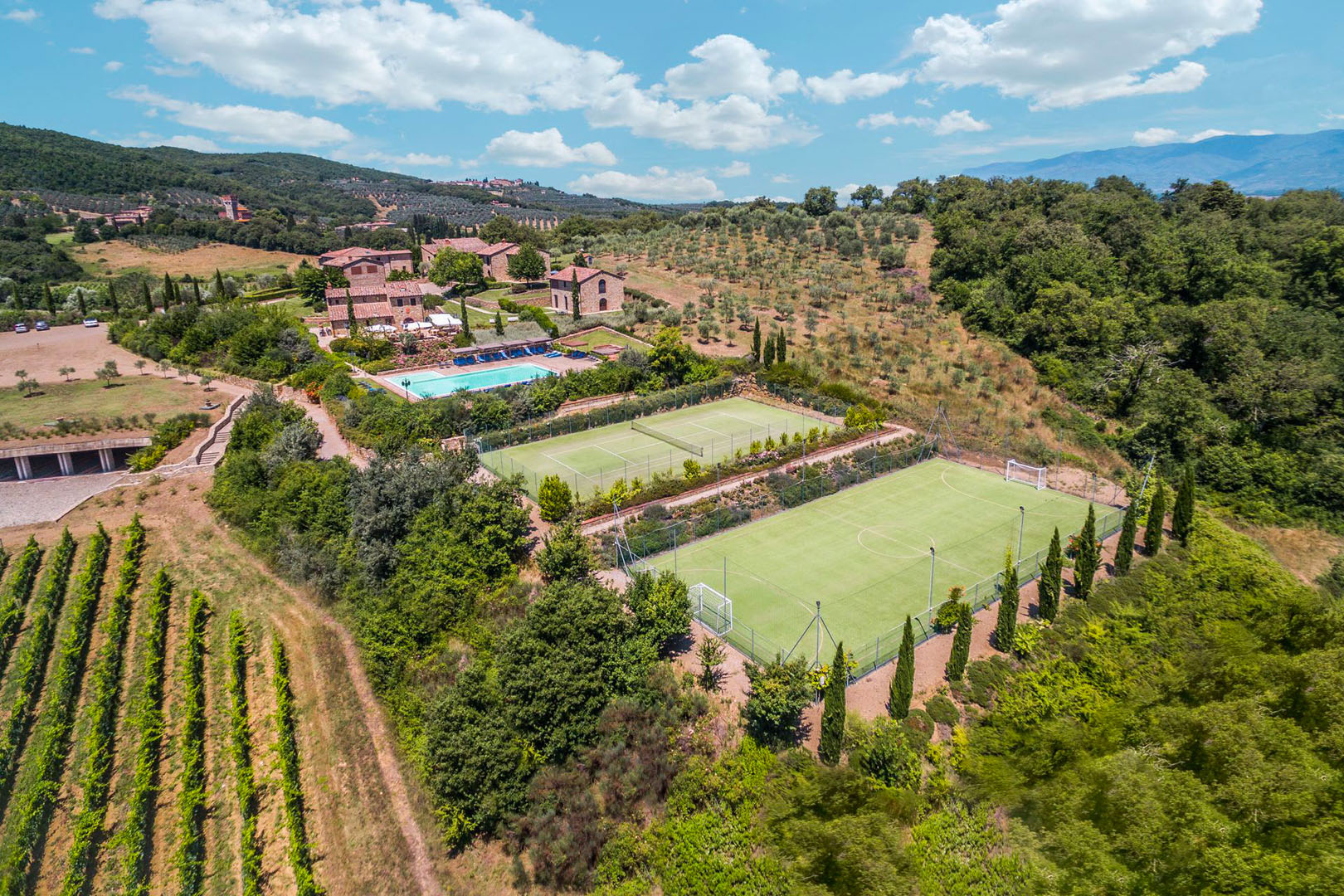 EXCLUSIVE WINE RESORT FOR SALE IN AREZZO, TUSCANY