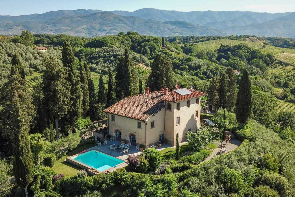 HOLIDAY HOME FOR SALE IN VALDARNO, TUSCANY