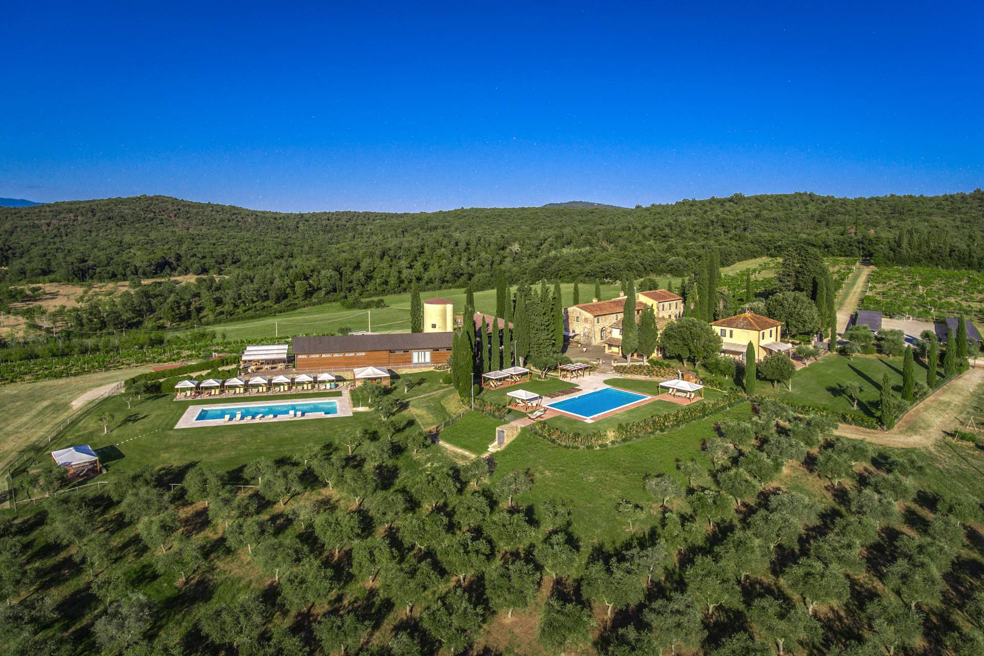 WINE RESORT FOR SALE IN CHIANTI, TUSCANY