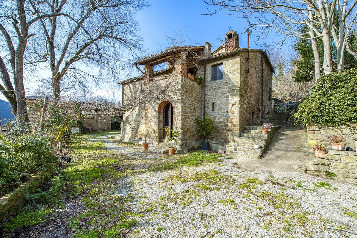 AGRITURISMO FOR SALE IN AREZZO, TUSCANY