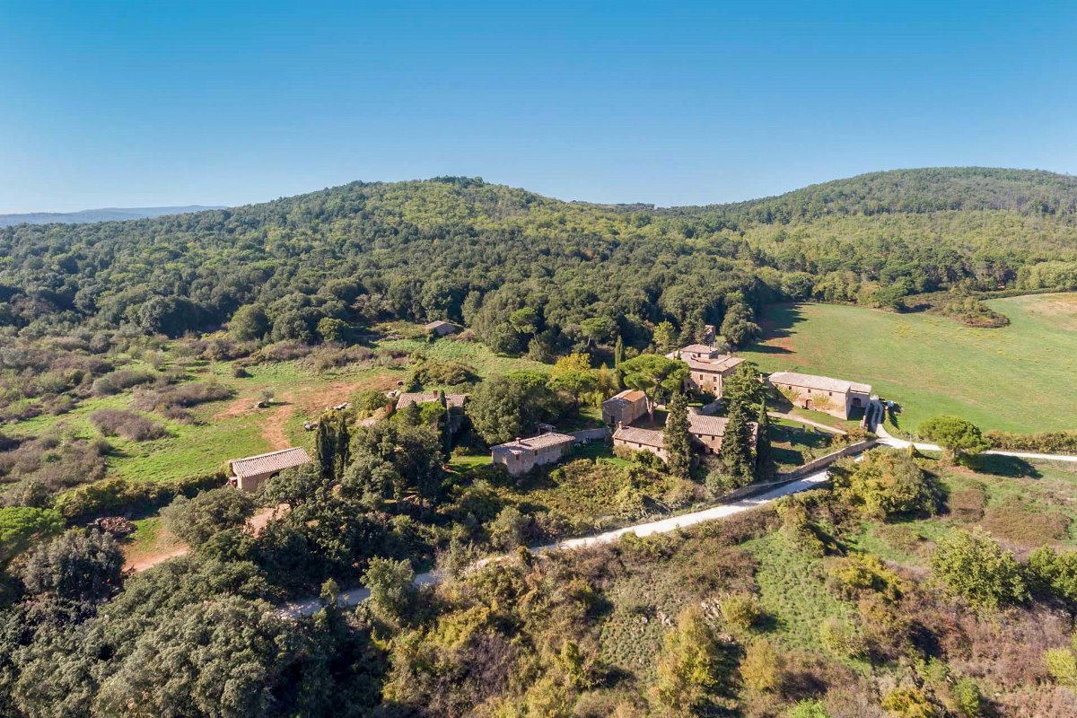FARM ESTATE FOR SALE IN SIENA, TOSCANA